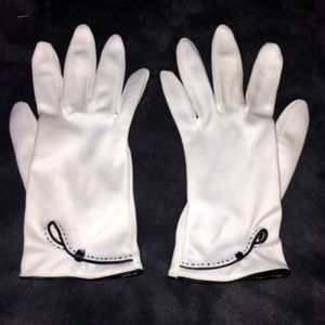 Accessories - Women's White Fashion Gloves - Vintage